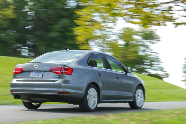 2015 Volkswagen Jetta: New Car Review featured image large thumb0