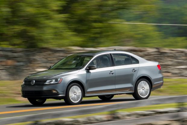 2015 Volkswagen Jetta: New Car Review featured image large thumb4