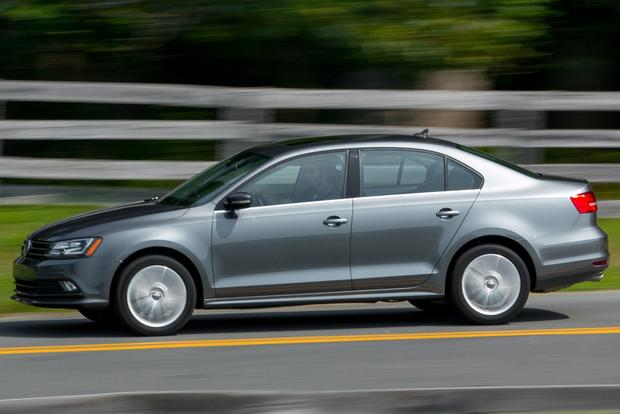 2015 Volkswagen Jetta: New Car Review featured image large thumb5