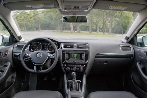 2015 Volkswagen Jetta: New Car Review featured image large thumb6