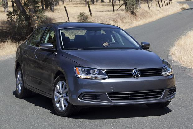 2014 vs. 2015 Volkswagen Jetta: What's the Difference? featured image large thumb11