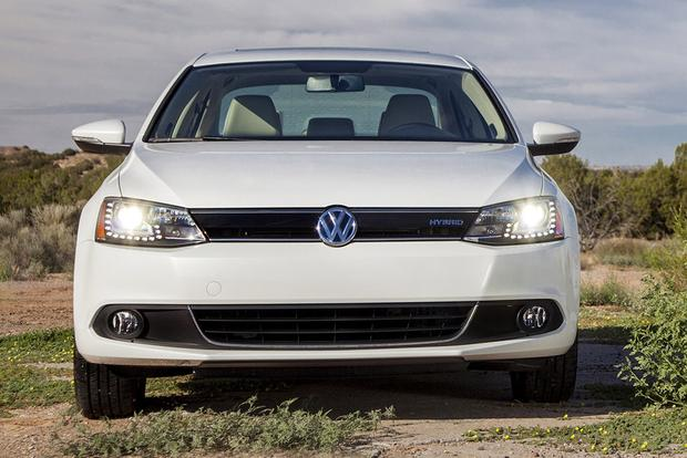 2014 vs. 2015 Volkswagen Jetta: What's the Difference? featured image large thumb5