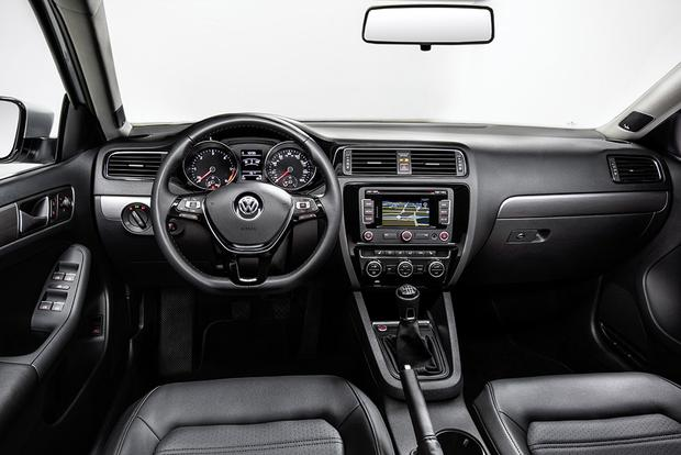 2014 vs. 2015 Volkswagen Jetta: What's the Difference? featured image large thumb2