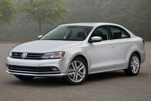 2014 vs. 2015 Volkswagen Jetta: What's the Difference? featured image large thumb10