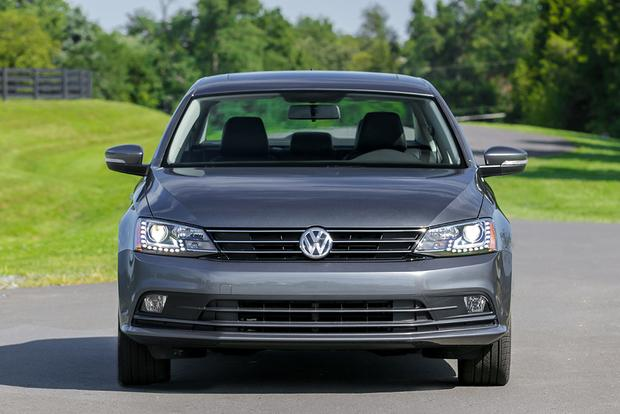 2015 Volkswagen Jetta vs. 2015 Volkswagen Passat: What's the Difference? featured image large thumb6