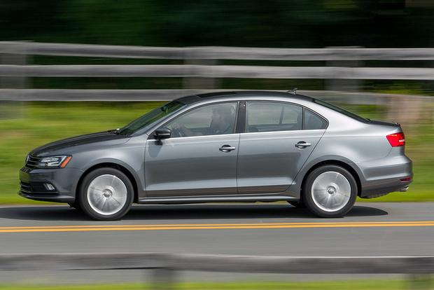 2015 Volkswagen Jetta vs. 2015 Volkswagen Passat: What's the Difference? featured image large thumb8