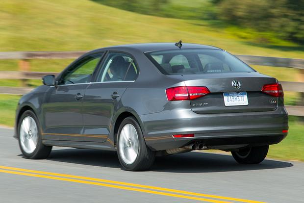 2015 Volkswagen Jetta vs. 2015 Volkswagen Passat: What's the Difference? featured image large thumb10