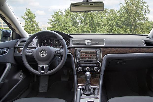 2015 Volkswagen Jetta vs. 2015 Volkswagen Passat: What's the Difference? featured image large thumb1
