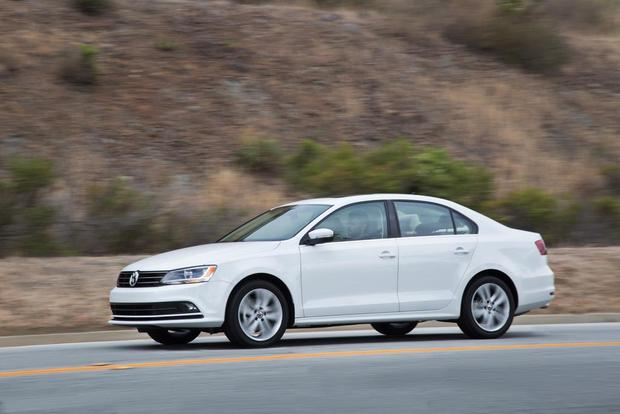 2016 Volkswagen Jetta: New Car Review featured image large thumb1
