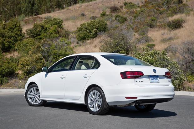 2016 Volkswagen Jetta: New Car Review featured image large thumb5
