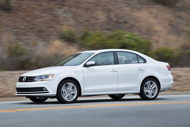 2017 Volkswagen Jetta: New Car Review featured image large thumb1