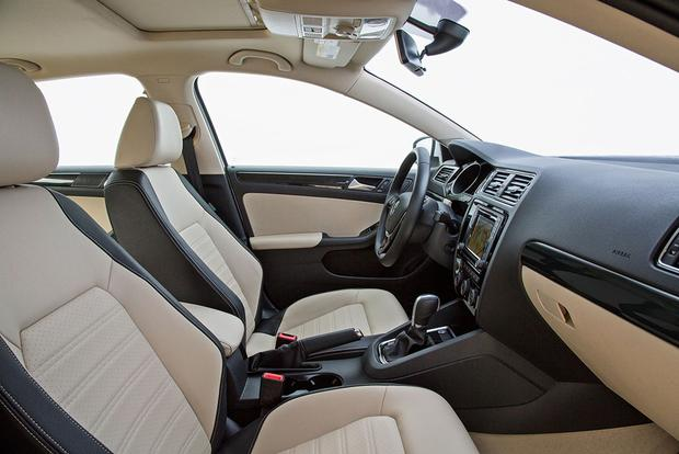 2017 Volkswagen Jetta: New Car Review featured image large thumb5