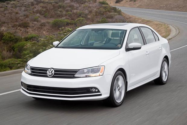 2018 Volkswagen Jetta: New Car Review featured image large thumb2