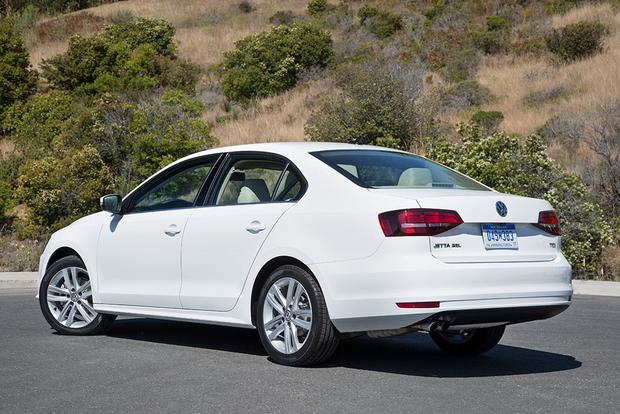 2018 Volkswagen Jetta: New Car Review featured image large thumb7