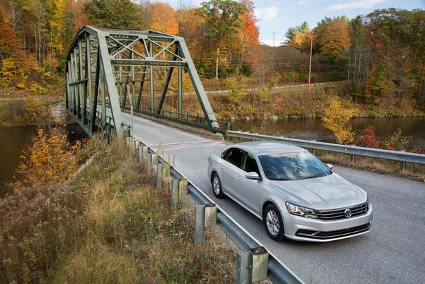 2016 Volkswagen Passat: First Drive Review featured image large thumb3