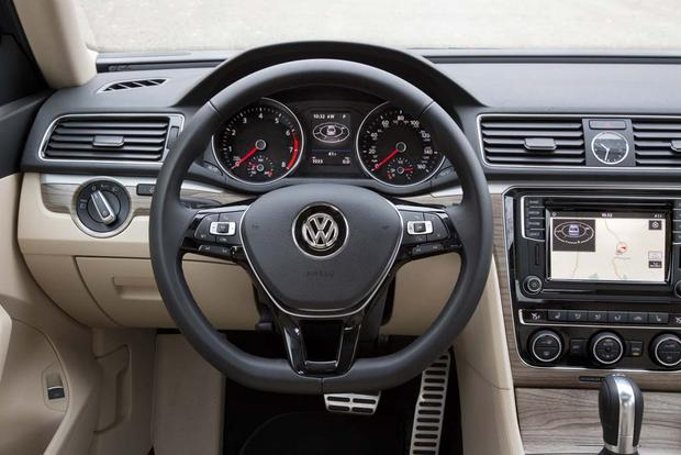2016 Volkswagen Passat: First Drive Review featured image large thumb6