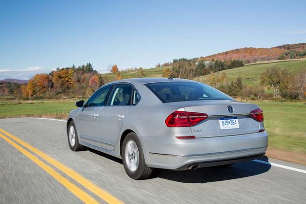 2016 Volkswagen Passat: New Car Review featured image large thumb2