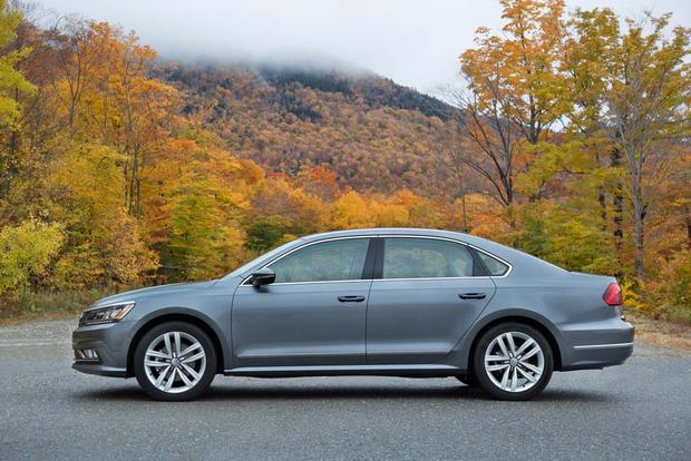 2016 Volkswagen Passat: New Car Review featured image large thumb4