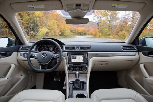 2016 Volkswagen Passat: New Car Review featured image large thumb5