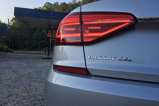 2016 Volkswagen Passat: Moving Forward featured image large thumb3