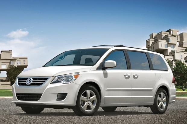 2013 Volkswagen Routan: New Car Review featured image large thumb1