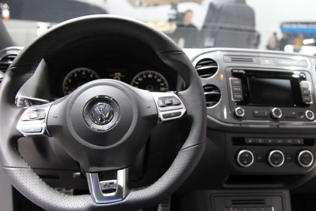 2014 VW Tiguan: Detroit featured image large thumb12