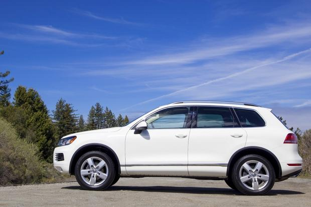 2013 Volkswagen Touareg: New Car Review featured image large thumb3