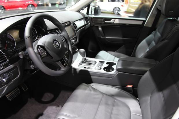 2014 VW Touareg: Detriot featured image large thumb9