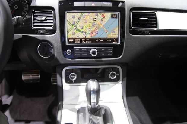 2014 VW Touareg: Detriot featured image large thumb11