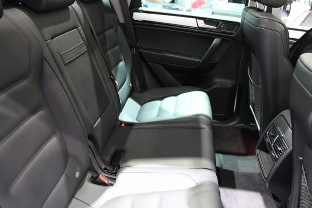 2014 VW Touareg: Detriot featured image large thumb14
