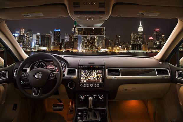 2015 Volkswagen Touareg: New Car Review featured image large thumb2