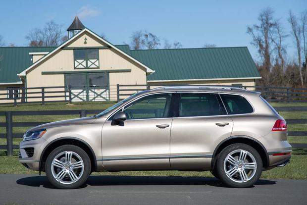 2016 Volkswagen Touareg: New Car Review featured image large thumb2