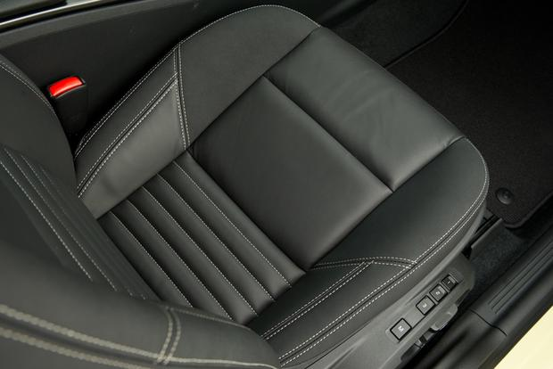 2012 Volvo C30: New Car Review featured image large thumb16