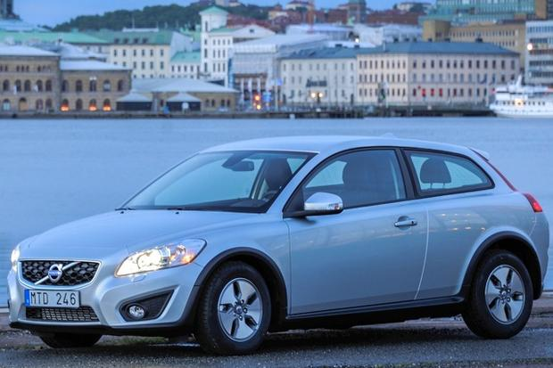 2013 Volvo C30: New Car Review featured image large thumb0