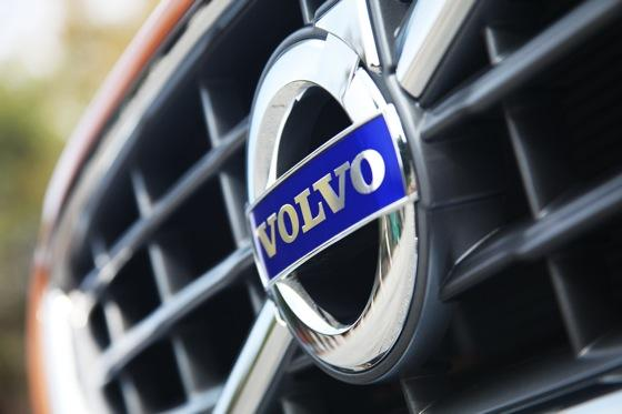 2012 Volvo S60 Joins Our Long-Term Test Fleet featured image large thumb8
