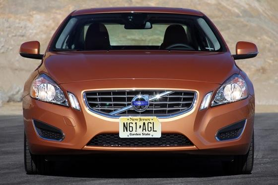 2012 Volvo S60: Performance Anxiety featured image large thumb0