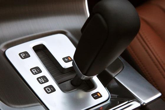 2012 Volvo S60: Performance Anxiety featured image large thumb4