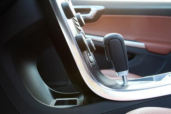 2012 Volvo S60: Interior Motives featured image large thumb3