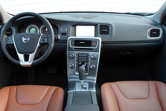 2012 Volvo S60: Interior Motives featured image large thumb4