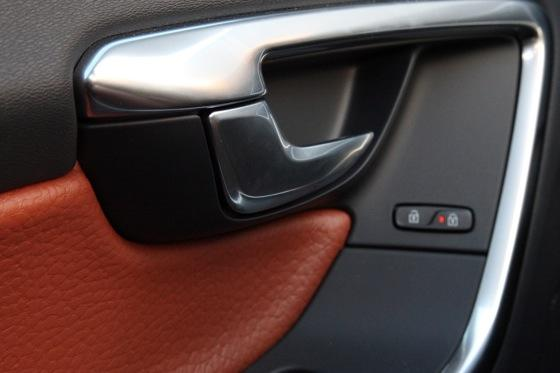 2012 Volvo S60: Interior Motives featured image large thumb8