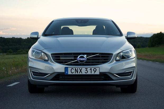 2015 Volvo S60 vs. 2015 Mercedes-Benz C-Class: Which Is Better? featured image large thumb3
