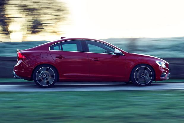 2016 Volvo S60: New Car Review featured image large thumb3