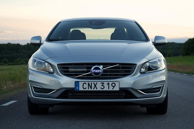 2016 Volvo S60: New Car Review featured image large thumb5