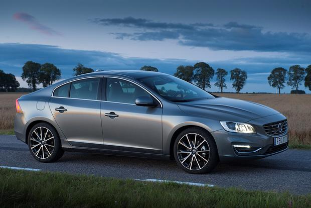 2017 Volvo S60: New Car Review featured image large thumb3