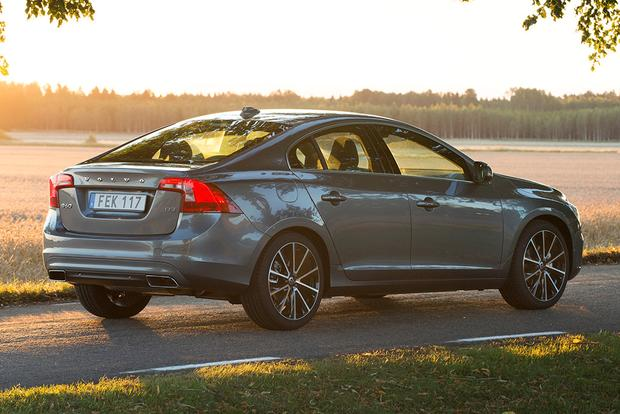 2017 Volvo S60: New Car Review featured image large thumb4