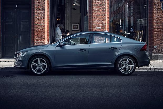 2017 Volvo S60: New Car Review featured image large thumb6