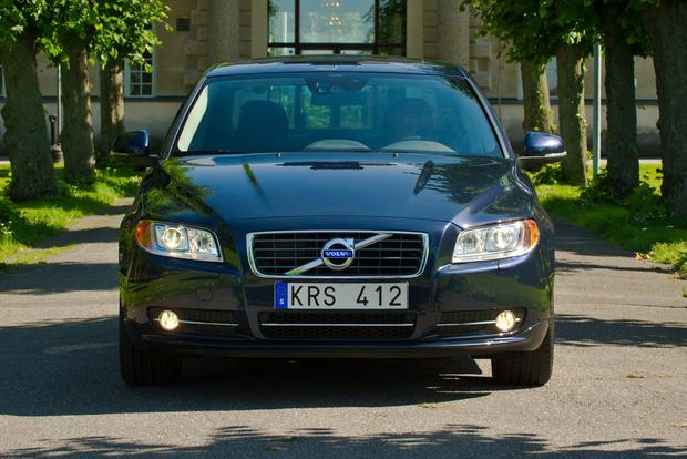 2013 Volvo S80: New Car Review featured image large thumb3