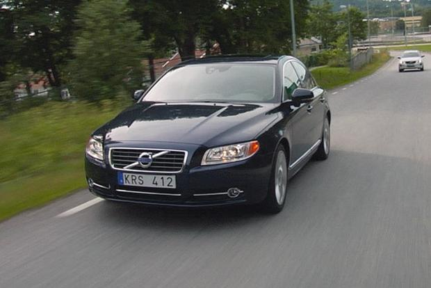 2013 Volvo S80: New Car Review featured image large thumb5