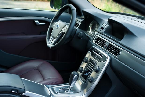 2013 Volvo S80: New Car Review featured image large thumb12