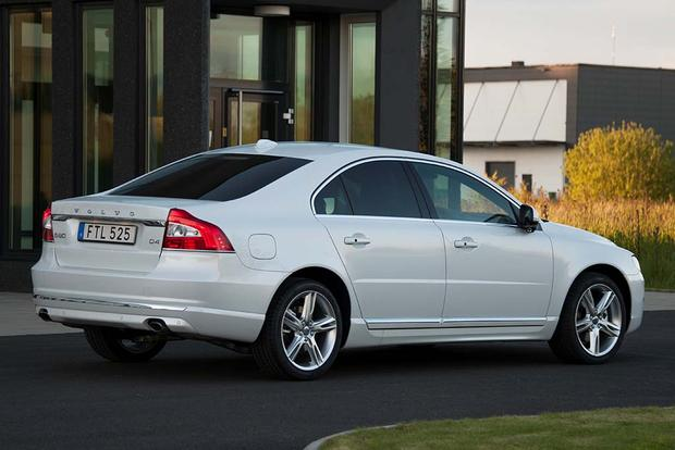 2016 Volvo S80: New Car Review featured image large thumb2